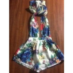 Pants - NEW FLORAL PRINT ROMPER SIZE SMALL